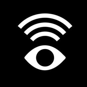Ett stiliserat öga (vitt, med helsvart iris) och ovanför tre vita böjda streck från ögat, som liknar ljudvågor.